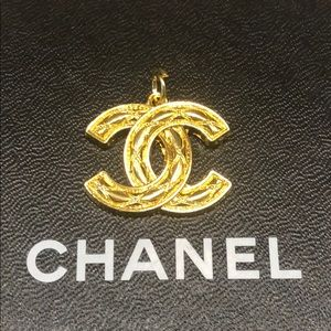 Authentic Chanel Zipper Pull - Yellow Gold